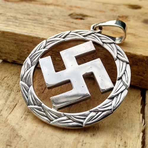 Swastika Pendant Third Reich Nazi Pendant Wreath